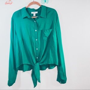 Forever 21 Green tie in front blouse Size 3X